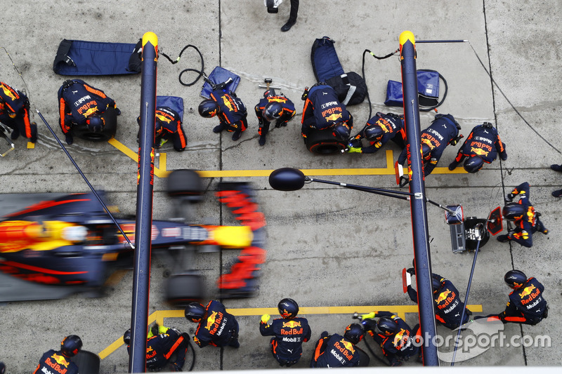 Daniel Ricciardo, Red Bull Racing RB13, Boxenstopp