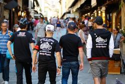 Les pilotes dans les rues de Florence