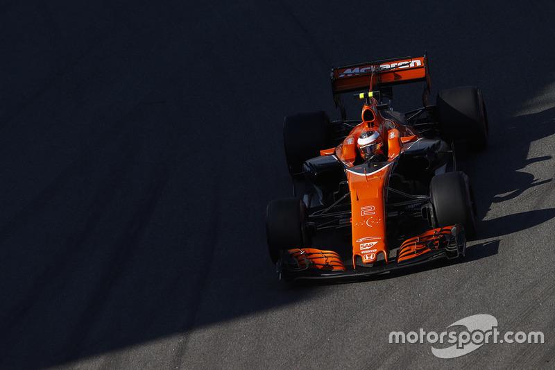#10: Stoffel Vandoorne, McLaren MCL32