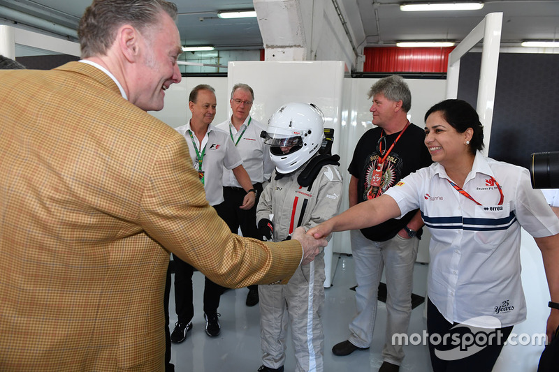 Sean Bratches, Formula One Managing Director, Commercial Operations and Monisha Kaltenborn, Sauber T