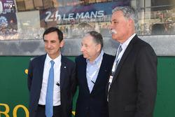 Pierre Fillon, président de l'ACO, Jean Todt, président de la FIA, Chase Carey, directeur exécutif du Formula One Group