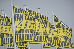 MotoGP 2017 Motogp-german-gp-2017-valentino-rossi-yamaha-factory-racing-fan-club-flags