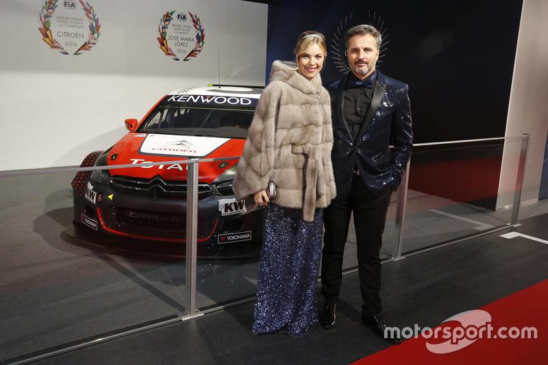 Иван Мюллер с женой Севериной
