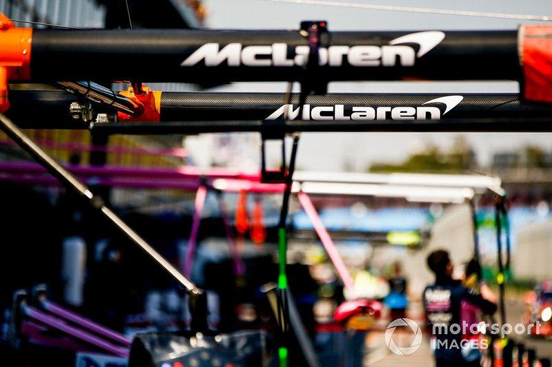 Pit Lane McLaren