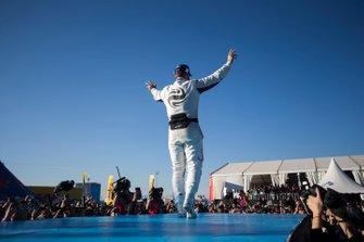 Sam Bird, Envision Virgin Racing, 3° classificato, festeggia sul podio