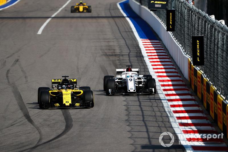 12. Карлос Сайнс, Renault — 39