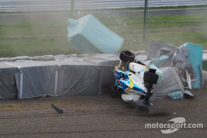 Harrison Newey, B-MAX with Motopark crashes