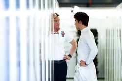 Rob Smedley, Head of Vehicle Performance, Williams Martini Racing, and Lance Stroll, Williams Racing