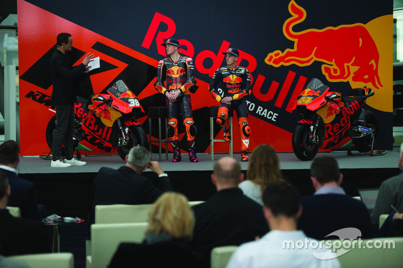 Pol Espargaro, Red Bull KTM Factory Racing, Bradley Smith, Red Bull KTM Factory Racing with Alex Hofmann
