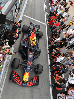 Max Verstappen, Red Bull Racing RB14, arriva nel parco chiuso