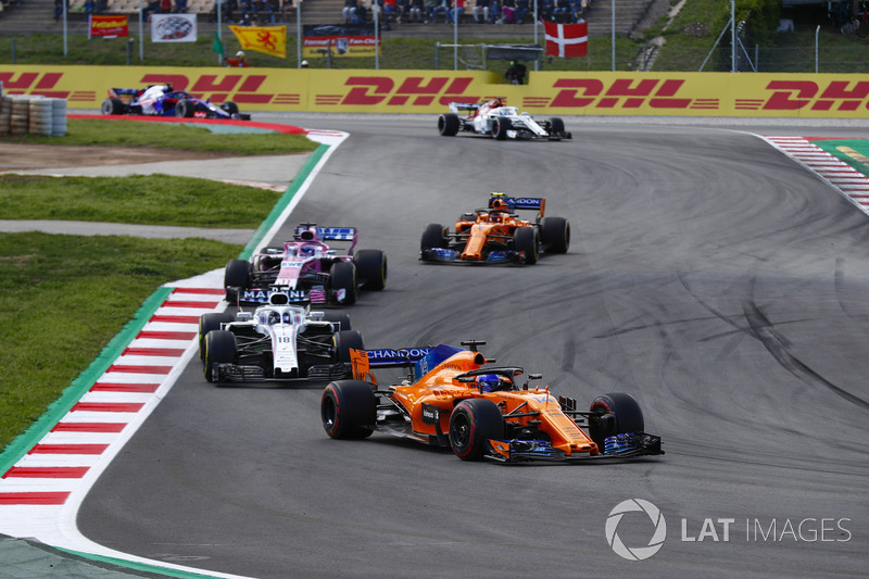 Фернандо Алонсо, McLaren MCL33, Лэнс Стролл, Williams FW41, Серхио Перес, Sahara Force India F1 VJM11, Стоффель Вандорн, McLaren MCL33, и Маркус Эрикссон, Alfa Romeo Sauber C37