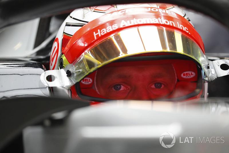 Magnussen iki yarış arka arkaya
