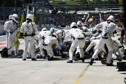 Felipe Massa, Williams FW40, en pits