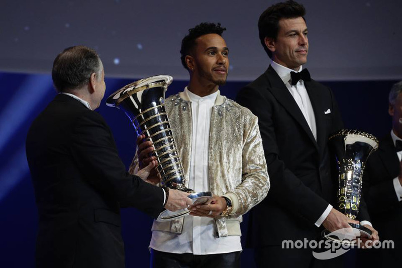 Lewis Hamilton with Toto Wolff