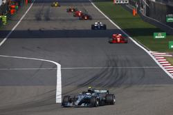 Valtteri Bottas, Mercedes AMG F1 W09, Sebastian Vettel, Ferrari SF71H, Lewis Hamilton, Mercedes AMG F1 W09, and Daniel Ricciardo, Red Bull Racing RB14 Tag Heuer
