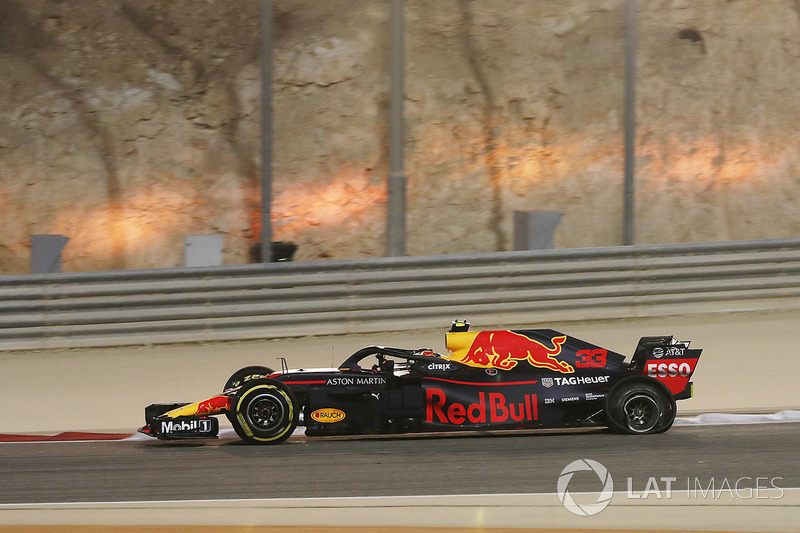 Ausfall: Max Verstappen, Red Bull Racing RB14 Tag Heuer