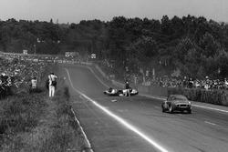 Crash: Roger Masson, Pierre Monneret, Rene Bonnet Aerodjet LM6 Renault