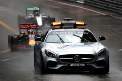 Safety-Car vor Daniel Ricciardo, Red Bull Racing RB12
