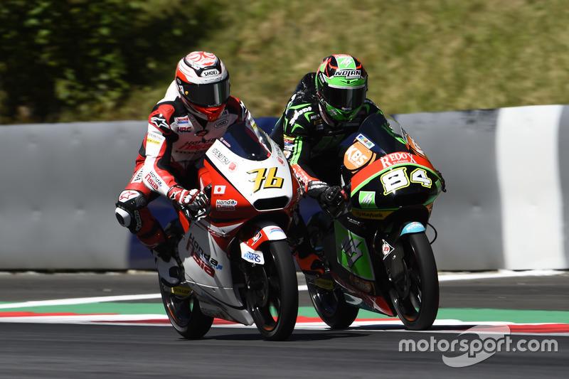 Hiroki Ono, Honda Team Asia, Honda; Jakub Kornfeil, Drive M7 SIC Racing Team, Honda