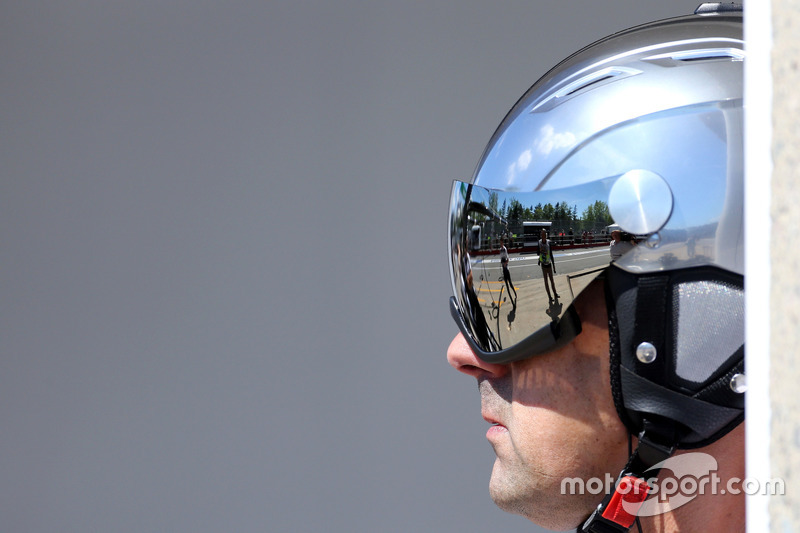 McLaren Honda mechanic