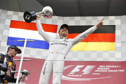 Podium: 1. Nico Rosberg, Mercedes AMG F1