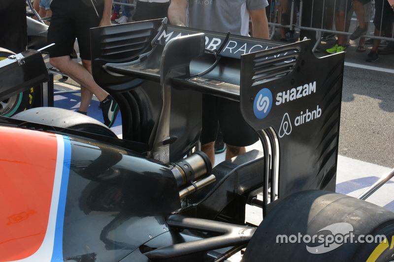Manor Racing MRT05, ala posteriore