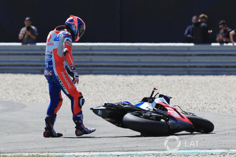 Danilo Petrucci, Pramac Racing, dopo la caduta