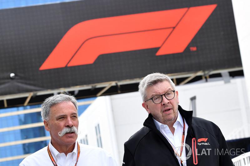 Chase Carey, directeur exécutif du Formula One Group et Ross Brawn, directeur de la compétition du Formula One Group