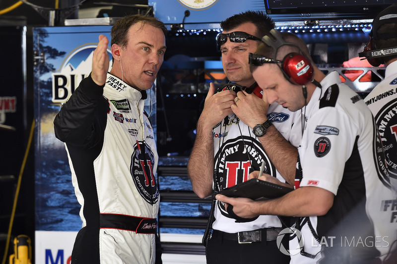 Kevin Harvick, Stewart-Haas Racing Ford Fusion and Rodney Childers