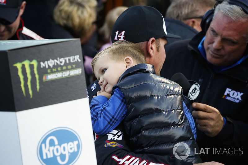 Clint Bowyer, Stewart-Haas Racing, Ford Fusion Haas Automation Demo Day celebrates