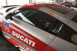 Il nome di Carlos Checa su un'Audi R8 LMS