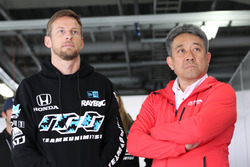 Jenson Button, Team Kunimitsu and Masashi Yamamoto, General Manager of Motor Sports Division