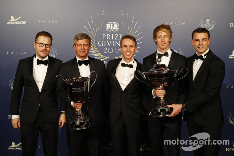 Brandon Hartley with Timo Bernhardt, Earl Bamber, Fritz Enzinger and Andreas Seidl