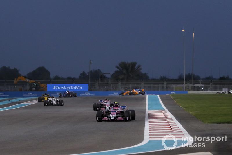 Естебан Окон, Серхіо Перес, Racing Point Force India VJM11, Маркус Ерікссон, Sauber C37
