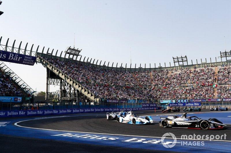 Sébastien Buemi, Nissan e.Dam, Nissan IMO1 precede Antonio Felix da Costa, BMW I Andretti Motorsports, BMW iFE.18 e Felipe Massa, Venturi Formula E, Venturi VFE05