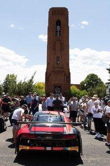 #2 Audi Sport Team Valvoline Audi R8 LMS in town