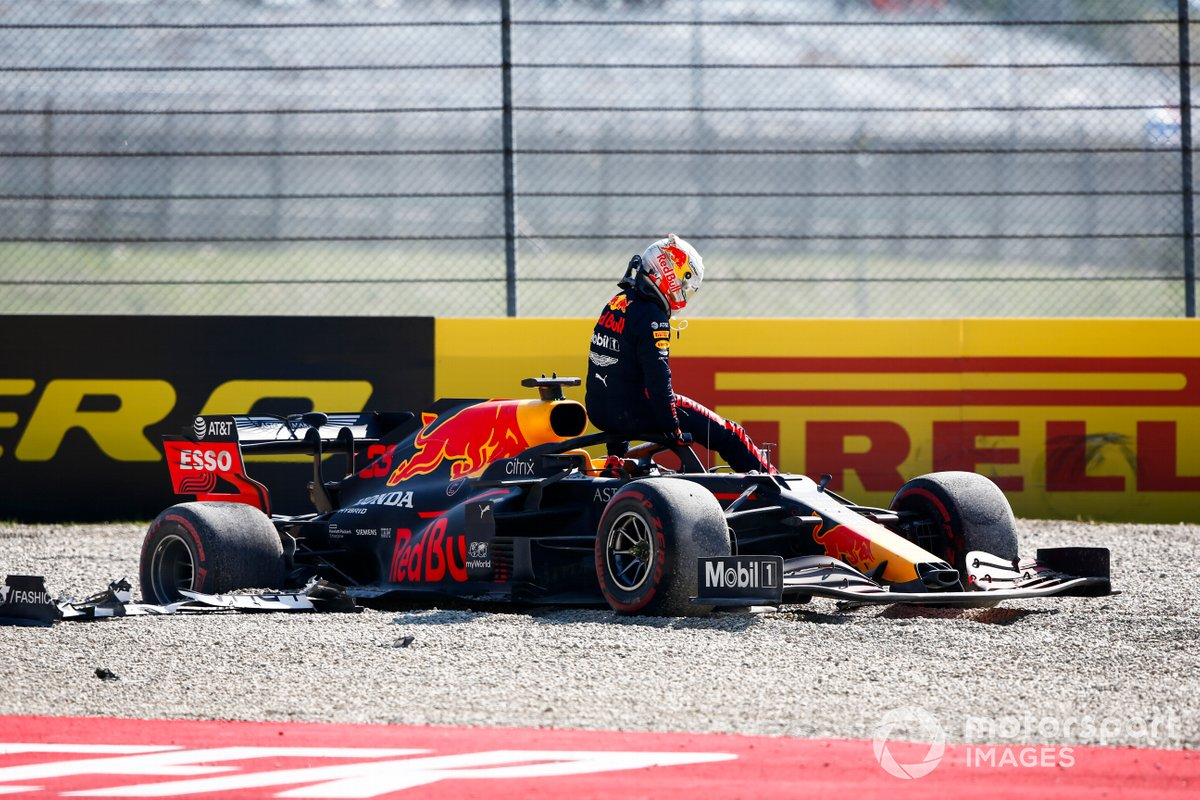 Max Verstappen, Red Bull Racing RB16 abandonne la course