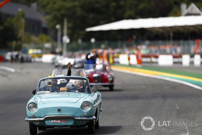 Carlos Sainz Jr., Renault Sport F1 Team, en el drivers parade