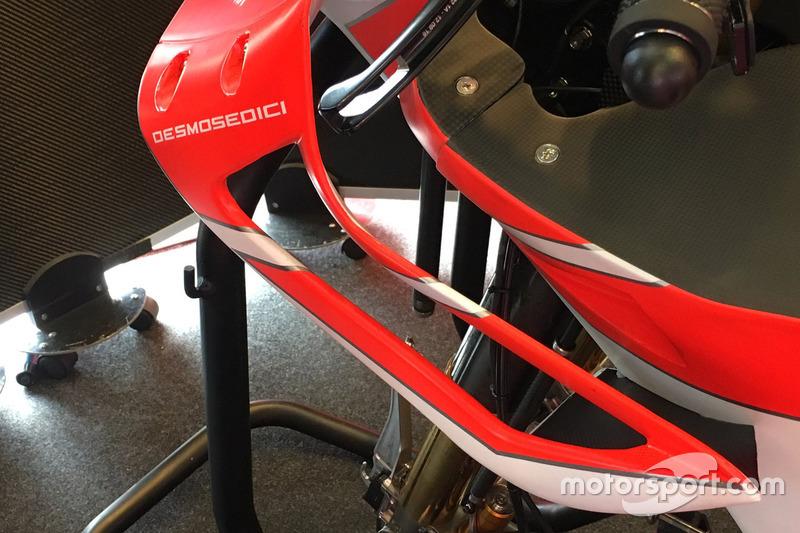 Аэродинамическое оперение мотоцикла Ducati