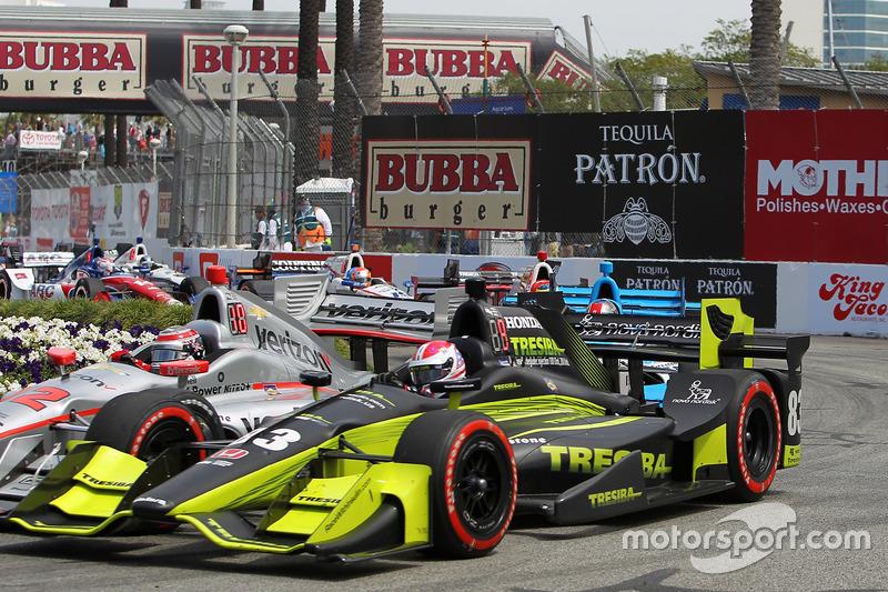 Charlie Kimball, Chip Ganassi Racing, Honda; Will Power, Team Penske, Chevrolet
