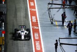 Felipe Massa, Williams FW40, in the pit lane