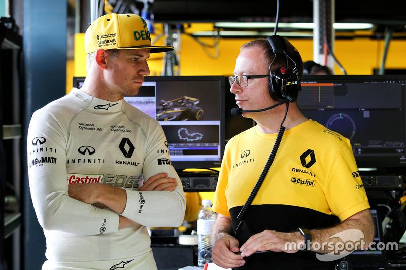 Nico Hülkenberg, Renault Sport F1 Team RS17, mit Mark Slade, Renault Sport F1 Team