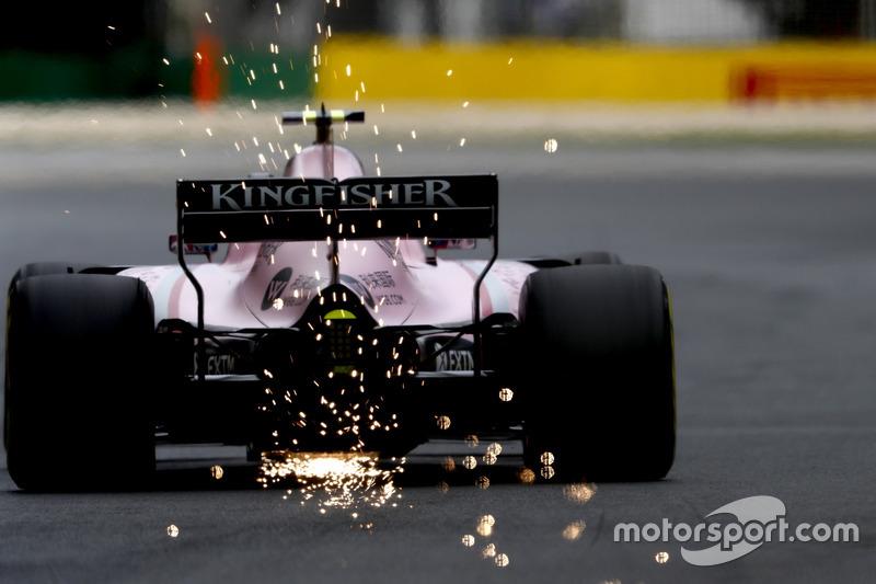 Esteban Ocon, Force India VJM10, mit Funkenflug