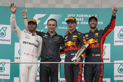 Podium: second place Lewis Hamilton, Mercedes AMG F1, Race winner Max Verstappen, Red Bull Racing, third place Daniel Ricciardo, Red Bull Racing, Dan Fallows, Red Bull Racing Head of Aerodynamics,
