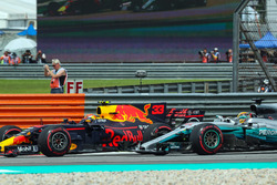 Lewis Hamilton, Mercedes-Benz F1 W08  and Max Verstappen, Red Bull Racing RB13 battle for position