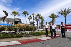 Kevin Estre, Laurens Vanthoor, Porsche Team, track walk