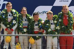 LMP2 podium: Thomas Laurent, DC Racing, troisième place pour David Cheng, Alex Brundle, Tristan Gommendy, DC Racing