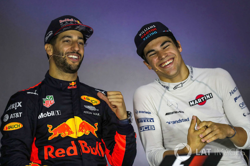 Ganador de la carrera Daniel Ricciardo, Red Bull Racing y Lance Stroll, Williams en a conferencia de prensa
