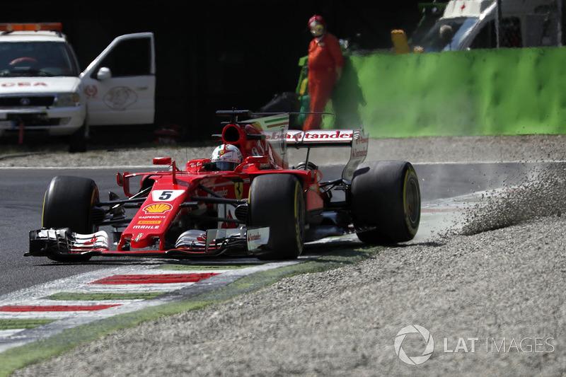 Sebastian Vettel, Ferrari SF70H runs wide into the gravel