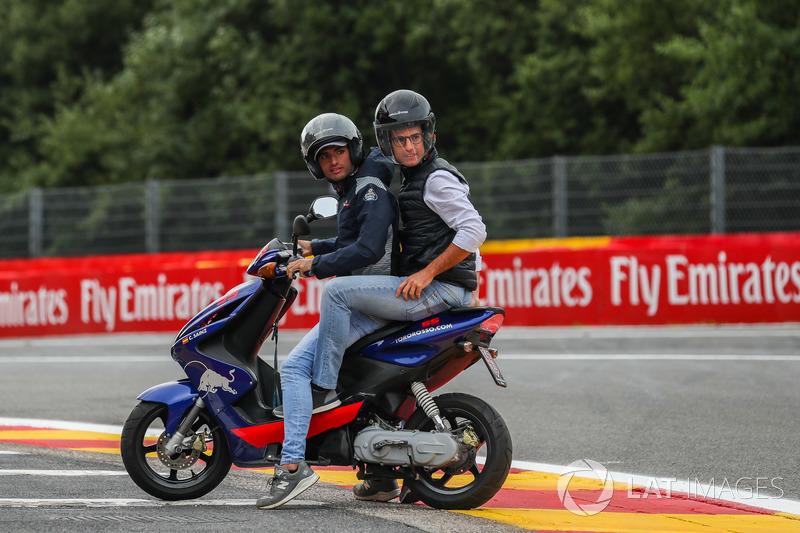Carlos Sainz Jr., Scuderia Toro Rosso on a scooter